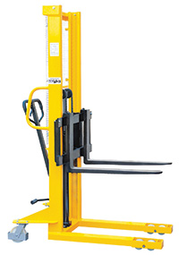 Hydraulic Stackers - Fork Type - Adjustable - 1000kg Capacity - 2500mm Lift Height